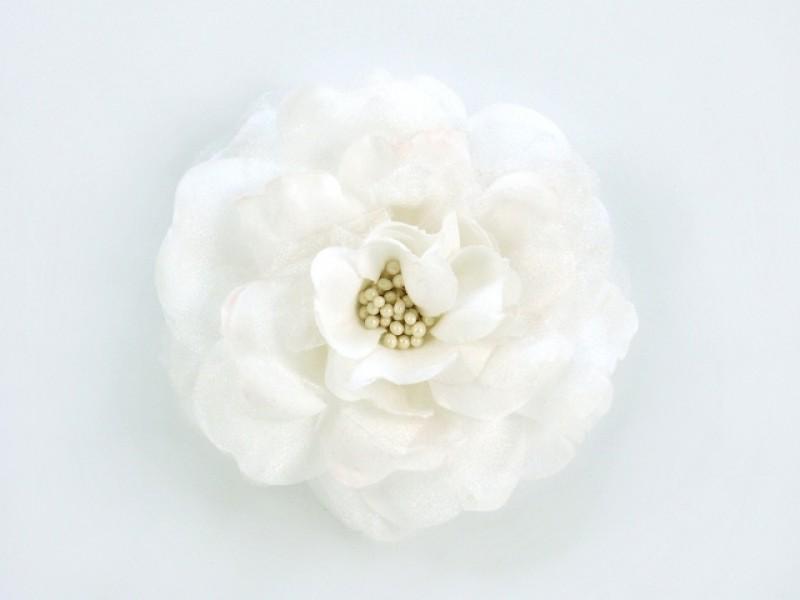 bloem corsage met kralen stamper wit