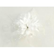 bloem corsage met parels wit