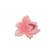 bloem patch lichtroze