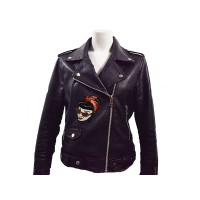 rockabilly girl met rode pailletten en zwart fluweel