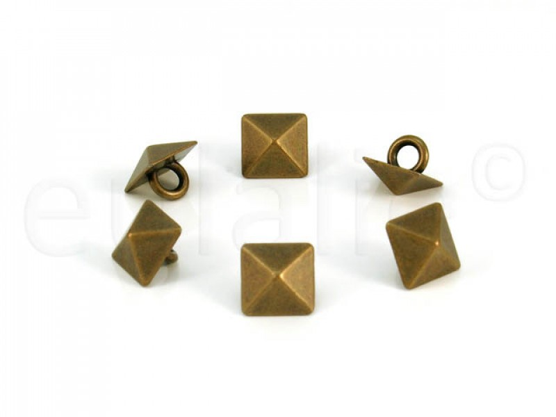 studs knopen pyramide brons