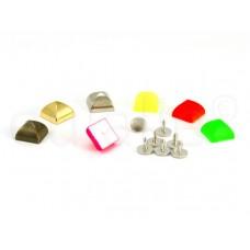 studs pyramide middel (10 stuks)